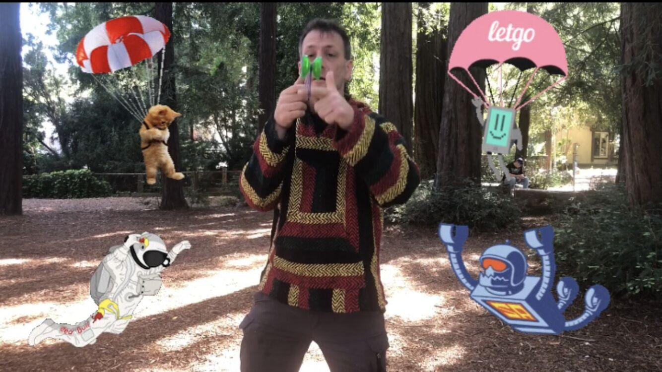 "Magic Matt performs ""Rip Cord"" on a Skyva Magic YoYo"